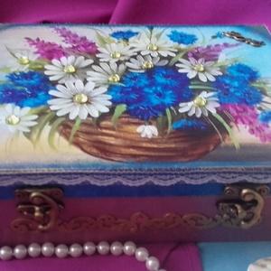 virágok közt - doboz (pozsgigi) - Meska.hu