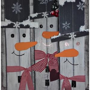 Mókás hóemberek - téli ajtódísz, Karácsonyi kopogtató, Karácsony & Mikulás, Otthon & Lakás, Festett tárgyak, Mindenmás, Alapanyaga fa, mérete 45 x 35 cm. Igazán téli hangulatot csempészhetsz be vele a lakásodba, de akár ..., Meska
