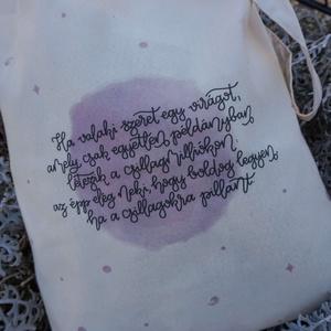 Kis herceg vászontáska, Táska & Tok, Bevásárlás & Shopper táska, Shopper, textiltáska, szatyor, Fotó, grafika, rajz, illusztráció, A táska anyaga pamutvászon.\nmérete:  38*42 cm  fül hossza: 67 cm\nA felirat saját tervezésű és digitá..., Meska