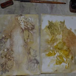 Eco print technikával készült díszlap , Naptár, képeslap, album, Otthon & lakás, Képeslap, levélpapír, Papírművészet, A papír mintázatát ecoprint technikával készítettem. Az ecoprint, vagyis a növényekkel való nyomatké..., Meska