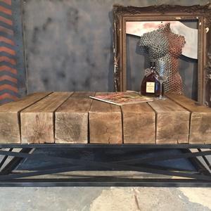 Dohányzóasztal LUE, Otthon & lakás, Bútor, Asztal, Lakberendezés, Tárolóeszköz, Újságtartó, Famegmunkálás, Fémmegmunkálás, Eladó modern, gerendából készült dohányzóasztal.\n\nMéretei:105x75x40 centiméter\n\nA képen látható deko..., Meska