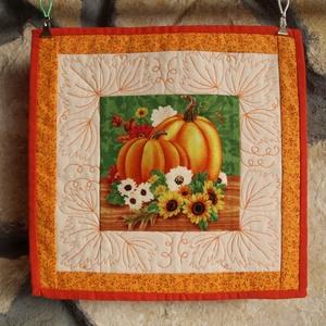 Őszi Hangulat Falikép (Patchwork és Tűzés), Otthon & Lakás, Dekoráció, Kép & Falikép, Varrás, Az őszi hangulat megteremtéséhez elengedhetetlen kellék a lehulló levelek, narancssárga tökök és ősz..., Meska
