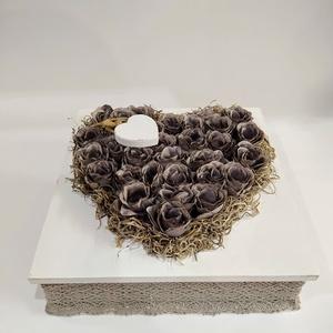 Vintage szív, Otthon & Lakás, Dekoráció, Asztaldísz, Virágkötés, Mindenmás, Faboxot csipkeszalaggal díszítettem, illetve vintage hatású selyemvirágokkal készült  ez a tartós de..., Meska