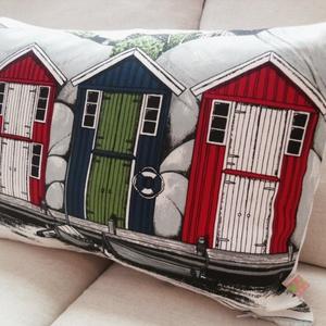 Skandináv ház mintás párnahuzat svéd minőségi textilből, Otthon & lakás, Lakberendezés, Lakástextil, Párna, Varrás, Dekoratív skandináv párnahuzat   Az első skandináv huzat, ami elkészült Lenyűgöző design, a skandin..., Meska