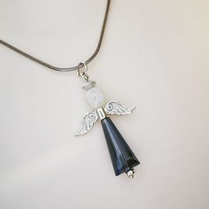 Ezüst angyal medál, Ékszer, Nyaklánc, Medál, Ékszerkészítés, Ezüst angyalka medál, aminek a feje hegyikristály, a teste fazettált kékes színben pompázó üveg gyön..., Meska
