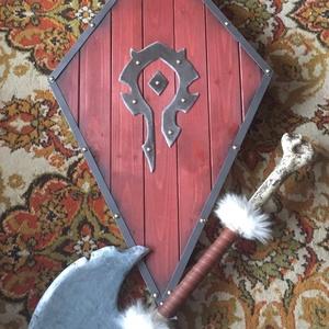 Warcraft replikák , Játék & Gyerek, Szerepjáték, Famegmunkálás, Festészet, A jól ismert Warcraft számítógépes játék ihlette pajzs és bárd\nMindkettő fából készült saját kezűleg..., Meska