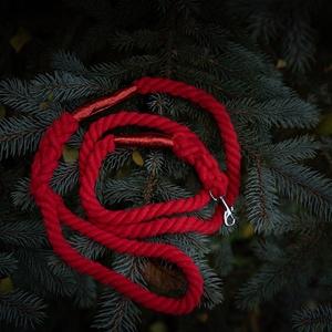 Piros kötélpóráz, Otthon & Lakás, Kisállatoknak, Kutyáknak, Csomózás, 1,6m hosszú 14mm átmérőjű puha kötélpóráz. A póráz nem varrott vagy ragasztott hanem biztonsági köté..., Meska
