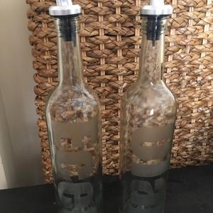 Újrahasznosított borosüveg Ecet vagy Olaj kiöntő, Otthon & Lakás, Konyhafelszerelés, Üveg & Kancsó, Újrahasznosított alapanyagból készült termékek, Újrahasznosított borosüveg Ecet vagy Olaj kiöntő, a felirat kémiai úton van belemarva az üvegbe, nem..., Meska