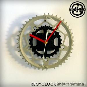 recyclock CWS-070- falióra újrahasznosított kerékpár alkatrészből, Otthon & lakás, Lakberendezés, Falióra, óra, Ékszer, Újrahasznosított alapanyagból készült termékek, Ötvös, Egyedi, kerékpár alkatrészekből készített falióra. \nA CWS sorozat órái elsősorban a kerékpárok lánct..., Meska