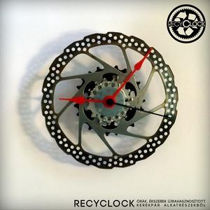 recyclock DSC-025- falióra újrahasznosított kerékpár alkatrészből, Férfiaknak, Otthon & lakás, Lakberendezés, Falióra, óra, Bringás kiegészítők, Újrahasznosított alapanyagból készült termékek, Ötvös, Egyedi, kerékpár alkatrészekből készített falióra. \nA DSC sorozat órái elsősorban a kerékpárok féktá..., Meska