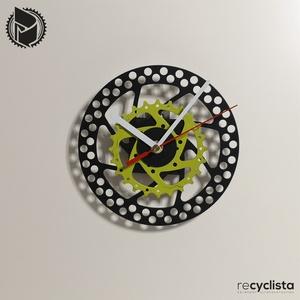 recyclock DSC-084- falióra újrahasznosított kerékpár alkatrészből, Otthon & Lakás, Dekoráció, Falióra & óra, Újrahasznosított alapanyagból készült termékek, Ötvös, Egyedi, kerékpár alkatrészekből készített falióra. \nA DSC sorozat órái elsősorban a kerékpárok féktá..., Meska