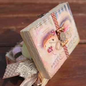 Pasztell fa doboz, sütikkel. :-) (Regikislany) - Meska.hu