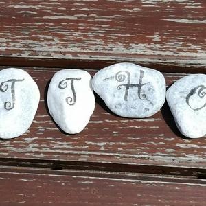 Otthon.... :-), Dísztárgy, Dekoráció, Otthon & Lakás, Decoupage, transzfer és szalvétatechnika, 6 darab hófehér kő, egy üzenettel..... :-)\nKérésedre bármilyen felirattal elkészítem. \nEz a szett 6 ..., Meska