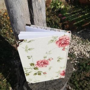 Fotóval vagy felirattal díszíthető napló/vendégkönyv.  :-) - Meska.hu