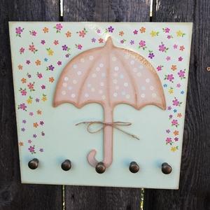 Fali kulcstartó virágesővel.  :-), Lakberendezés, Otthon & lakás, Decoupage, transzfer és szalvétatechnika, Festett tárgyak, Fali kulcstartó, amelyet vidám színekkel és motívumokkal készítettem el. :-) Használhatod kulcstartó..., Meska