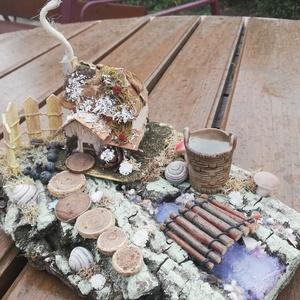 Őszi-téli asztaldísz, házikóval, patakkal. :-), Dekoráció, Otthon & lakás, Lakberendezés, Asztaldísz, Virágkötés, Asztaldísz, melyet azoknak ajánlok, akik szeretik a természetes és különleges dekorációkat. :-) \nFah..., Meska