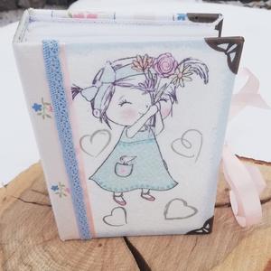 Fotóalbum, kislánnyal. :-), Gyerek & játék, Naptár, képeslap, album, Otthon & lakás, Fotóalbum, Decoupage, transzfer és szalvétatechnika, Festett tárgyak, Fotóalbum, egy kislánynak vagy az ő anyukájának. :-)\nAz albumot festettem és mintás, minőségi vászon..., Meska