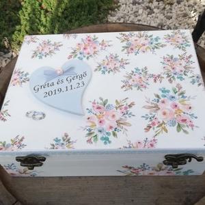12 rekeszes ajándékátadó doboz esküvőre, fotótranszferrel. :-), Esküvő, Nászajándék, Decoupage, transzfer és szalvétatechnika, Festett tárgyak, 12 rekeszes doboz, melybe beletehetsz 12 pici ajándékot, hozzájuk illő jókívánságokkal az ifjú párna..., Meska