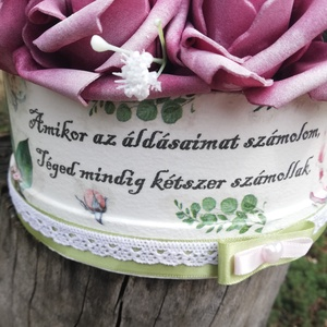 Rózsadoboz egyedi mintával és felirattal. :-) - Meska.hu