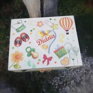 Minőségi, rekeszes, fotós babaváró doboz, a belsejében egy dallal. :-) - Meska.hu