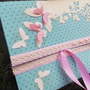 3D pillangós pénzátadó boríték esküvőre, ballagásra / ünnepi alkalmakra. :-), Esküvő, Decoupage, transzfer és szalvétatechnika, Festett tárgyak, A borítékot pöttyös vászonnal borítottam, csipkével, szalaggal, gyöngyökkel, rózsa mintával és pilla..., Meska