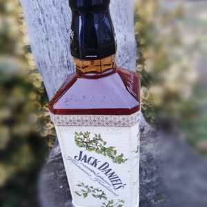 Whisky átalakítva, egyedi mintával. :-) - Meska.hu