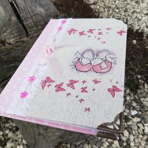 Babanapló, pillangókkal, babacipővel és pasztell színekkel. :-) - Meska.hu
