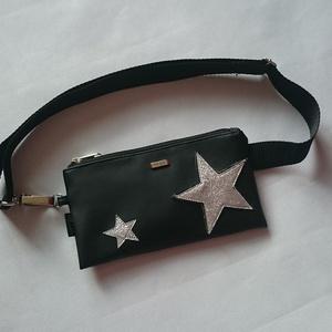 Övtáska fekete ,ezüst csillagos, textilbőr, Táska & Tok, Övtáska, Varrás, Ezt az övtáskát  fekete műbőrből készítettem,és csillámos, csillogó csillagokkal díszítettem.Belülre..., Meska