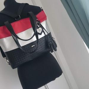 3in1 Válltáska / Hátizsák / Oldaltáska variálható, Táska, Táska, Divat & Szépség, Varrás, Ezt a táskát  fekete-ezüst-piros műbőrből készítettem, és színben harmonizáló design textillel bélel..., Meska