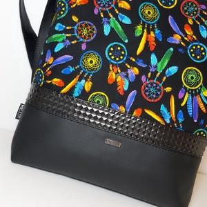 Oldaltáska ,válltáska,álomfogó, Táska & Tok, Kézitáska & válltáska, Vállon átvethető táska, Varrás, Ezt a táskát fekete textilbőrből és design pamutvászon  anyagból készítettem, belülre szintén design..., Meska