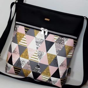 Oldaltáska ,válltáska, Táska & Tok, Kézitáska & válltáska, Vállon átvethető táska, Varrás, Ezt a táskát fekete textilbőrből és design háromszöges műbőrből készítettem, belülre pedig mintás pa..., Meska