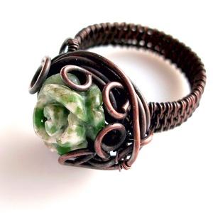 Mohaachát rézgyűrű, Ékszer, Gyűrű, Figurális gyűrű, Ékszerkészítés, Fémmegmunkálás, Mohaachát gyűrű, vörösrézből, melyet antikoltam.\nA gyűrű belső átmérője 17 mm. Kérésre más mértében ..., Meska
