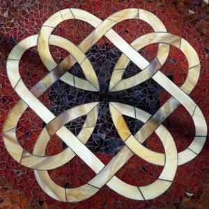 Kelta mintás mozaikozott asztallap, Bútor, Otthon & lakás, Asztal, Lakberendezés, Mozaik, Üvegművészet, Megrendelésre készítettem ezt a kelta csomókkal díszített  mozaikozott asztallapot. \n\nA megrendelőtő..., Meska