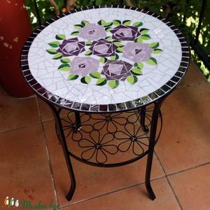 Rózsacsokros mozaik asztallap, Bútor, Otthon & lakás, Asztal, Lakberendezés, Kerti dísz, Mozaik, Üde virágcsokrot ábrázoló mozaikozott asztallap. \nIKEÁ-s asztalka üveglapjára, egyenként vágtam és r..., Meska