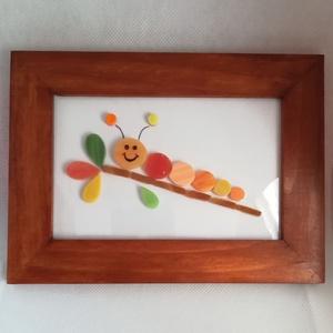 Kis kukac - mozaik kép, Otthon & lakás, Dekoráció, Lakberendezés, Falikép, Kép, Gyerek & játék, Gyerekszoba, Baba falikép, Mozaik, Plexi lapra mozaikoztam színes üvegdarabkákból ezt a kedves kis kukacot. A fa keretet  lefestettem é..., Meska