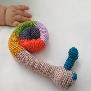 Csiga csörgő, Gyerek & játék, Játék, Játékfigura, Baba játék, Horgolás, Horgolt babajáték, aminek a fejében elhelyeztem egy csörgőt. Így elég érdekes a babának, de nem zava..., Meska