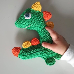 Dino (sípoló játék), Gyerek & játék, Játék, Játékfigura, Baba játék, Horgolás, Horgolt babajáték, aminek a pocakjában elhelyeztem egy műanyag sípolót. Így elég érdekes a babának, ..., Meska