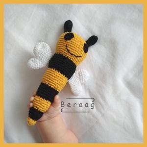 Méhecske csörgő, Játék & Gyerek, 3 éves kor alattiaknak, Csörgő, Horgolás, Horgolt babajáték, aminek a fejében elhelyeztem egy csörgőt. Így elég érdekes a babának, de nem zava..., Meska