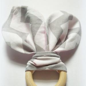 Nyuszifül rágóka, fogzókarika, rongyi, nyálkendő - cikkcakkos (Reniscraftroom) - Meska.hu