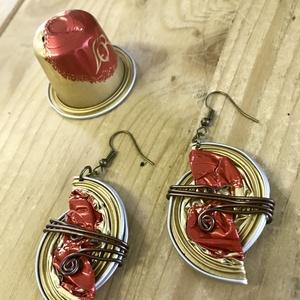 PirosArany kapszula , fülbevaló, Ékszer, Fülbevaló, NoWaste, Otthon & lakás, Ékszerkészítés, Újrahasznosított alapanyagból készült termékek, Újrahasznosított ékszer, fülbevaló. Az ékszer alapja alumínium kávékapszula. Egyedi mintázatú és dís..., Meska