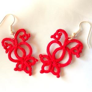 piros hajócsipke fülbevaló, Ékszer, Fülbevaló, Csipkekészítés, Csomózás, Vékony, 100%pamut horgolócérnából, azonos színű gyöngyök felhasználsával készítettem ezt a fülbevaló..., Meska