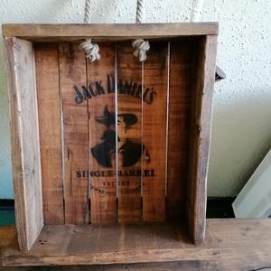 Jack Daniels feliratú láda Coca Cola bontóval., Otthon & Lakás, Tárolás & Rendszerezés, Láda, Famegmunkálás, Jack Daniels feliratú láda  a múlt század közepén használt Coca Cola bontóval.\n\nRemek kézműves,egyed..., Meska