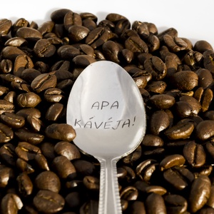 Apa kávéja! kiskanál, Konyhafelszerelés, Otthon & lakás, Bögre, csésze, Férfiaknak, Konyhafőnök kellékei, Fémmegmunkálás, Kézi gravírozott kiskanál.\nAnyaga: rozsdamentes acél\n\nA minta időtálló, a kanál nyugodtan használhat..., Meska