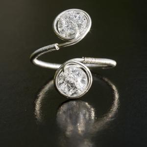 Ezüst hegyikristály gyűrű, Ékszer, Többköves gyűrű, Gyűrű, Egyedi, kézzel készült hegyikristály gyűrű. 6 mm-es hegyikristály ásványgyöngy ezüst dróttal beteker..., Meska