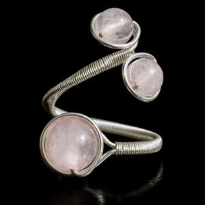 Ezüst rózsakvarc gyűrű, Ékszer, Gyűrű, Többköves gyűrű, Ékszerkészítés, Fémmegmunkálás, Egyedi, kézzel készült rózsakvarc gyűrű.\n6mm-es és 8 mm-es rózsakvarc ásványgyöngy ezüst dróttal bet..., Meska