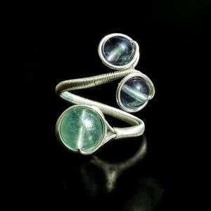 Ezüst fluorit gyűrű, Többköves gyűrű, Gyűrű, Ékszer, Ékszerkészítés, Egyedi, kézzel készült fluorit gyűrű.\n8 mm-es és 6 mm-es fluorit ásványgyöngy ezüst dróttal betekerv..., Meska