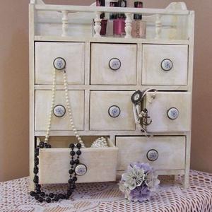 Fiókos szekrényke , Otthon & lakás, Bútor, Szekrény, Famegmunkálás, Ez a vintage stílusú kisszekrény egy az  1900-as évek elején készült szekrényke másolata. Kislányomn..., Meska