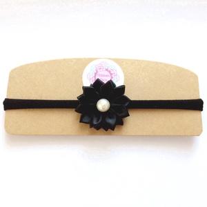 Fekete virágos puha rugalmas hajpánt,fejpánt, Hajráf & Hajpánt, Hajdísz & Hajcsat, Ruha & Divat, Varrás, Ékszerkészítés, A virágot fekete szatén szalagból készítettem, a fejpánt nagyon puha és rugalmas . A virág közepén g..., Meska