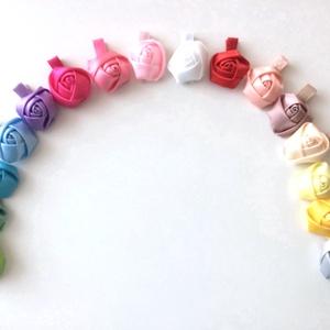 Rózsaszín rózsás hajcsat (RibbonLove) - Meska.hu