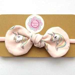 Rózsaszín alapon unikornis (egyszarvú) mintás pamut masni puha rugalmas fejpánt, hajpánt, Hajgumi, Hajdísz & Hajcsat, Ruha & Divat, Varrás, Ékszerkészítés, Nagyon különleges ez a rózsaszín alapon unikornis mintás masni fejpánt, hajpánt! \nLimitált, csak pár..., Meska